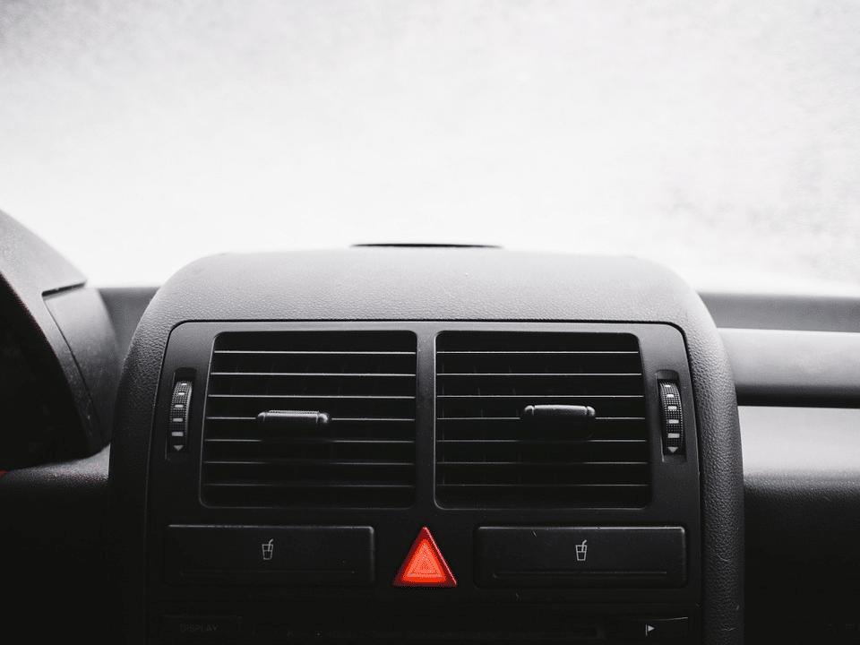 Car dashboard windshield cupholder