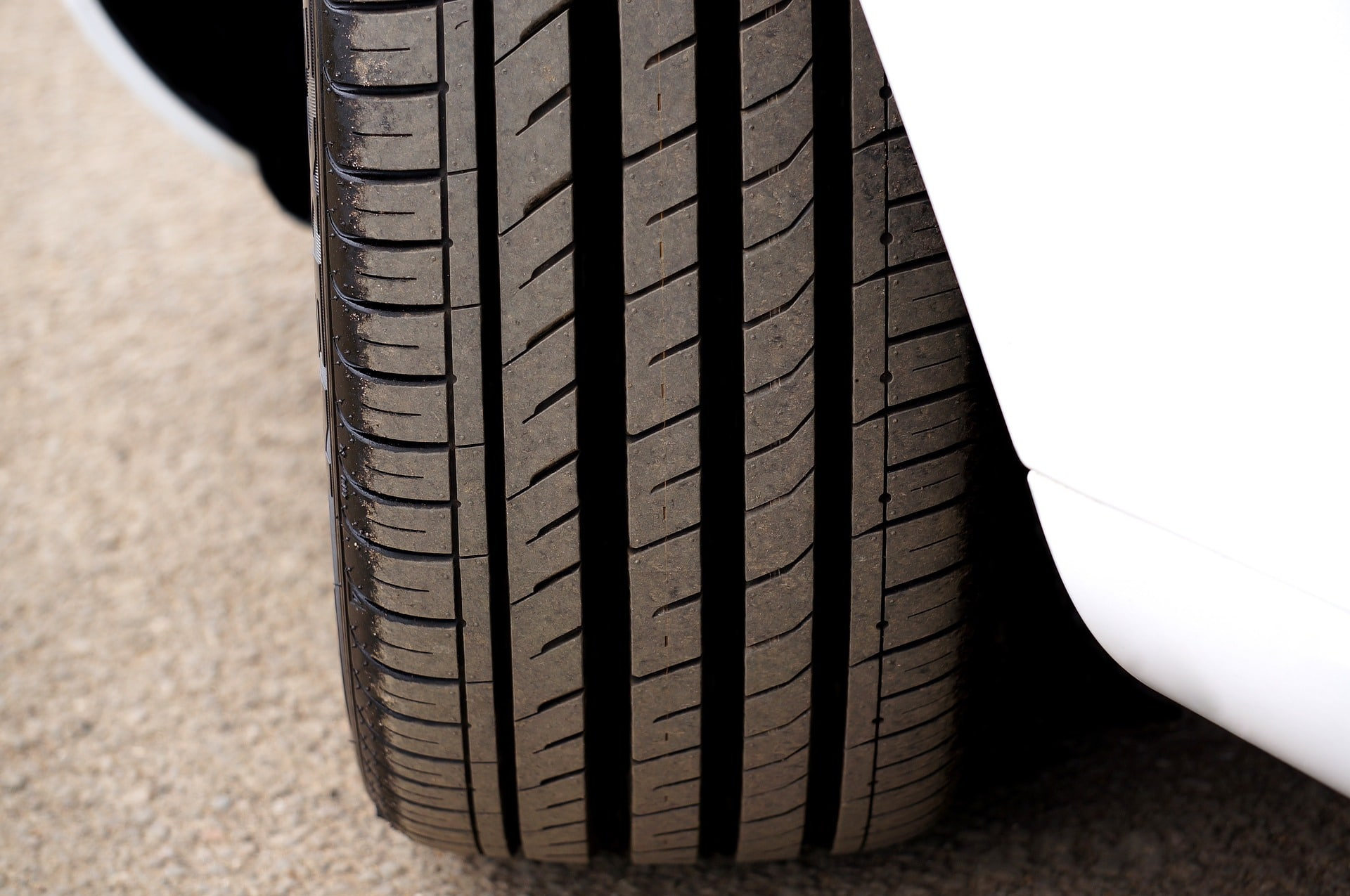 Tiers for a quieter ride. A quiet season tire with superb tread rubber and tread block desing.